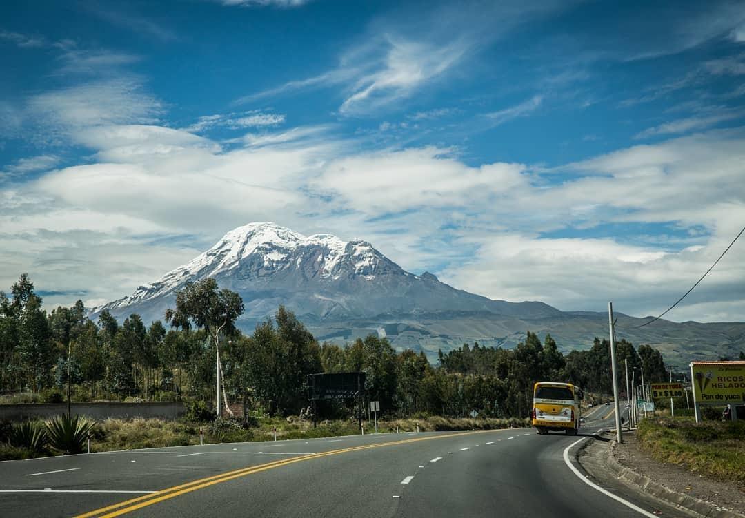 Chimborazo desde la carretera Ambato vs. Riobamba