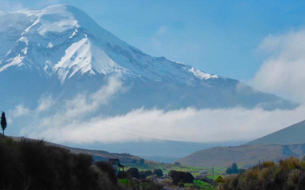Espectacular toma del Chimborazo captado por un ciclista estadounidense