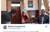 VIDEO Richard Carapaz Dona su Camiseta Rosa