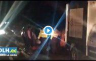 Video: 2 personas fallecidas en la vía Ambato - Riobamba