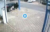 Video: Fuertes imágenes. Padre y sus HIJOS son atropellados.