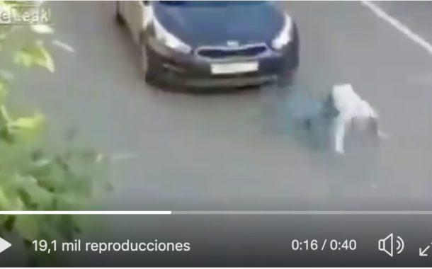 Video: #INTERNACIONAL Hombre es ATROPELLADO y se levanta como si nada.