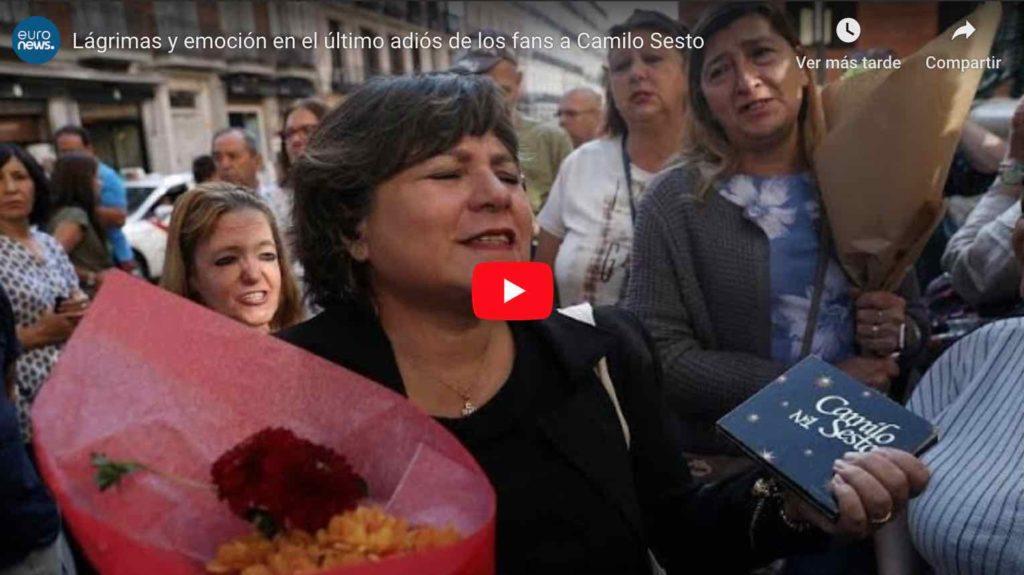 Video: Lágrimas y emoción en el último adiós de los fans a Camilo Sesto