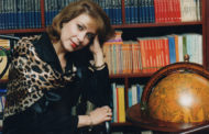Riobambeña Destaca en la Literatura Ecuatoriana
