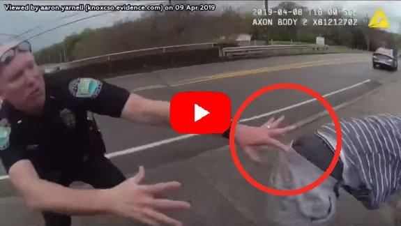 Video: El estremecedor momento en que un policía sujeta en el abismo a un joven suicida