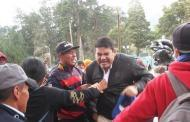 Videos: Así sacaron a PALOS al cura TUAREZ.