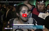 Video: Estudiantes se enfrentaron con policías en Riobamba.